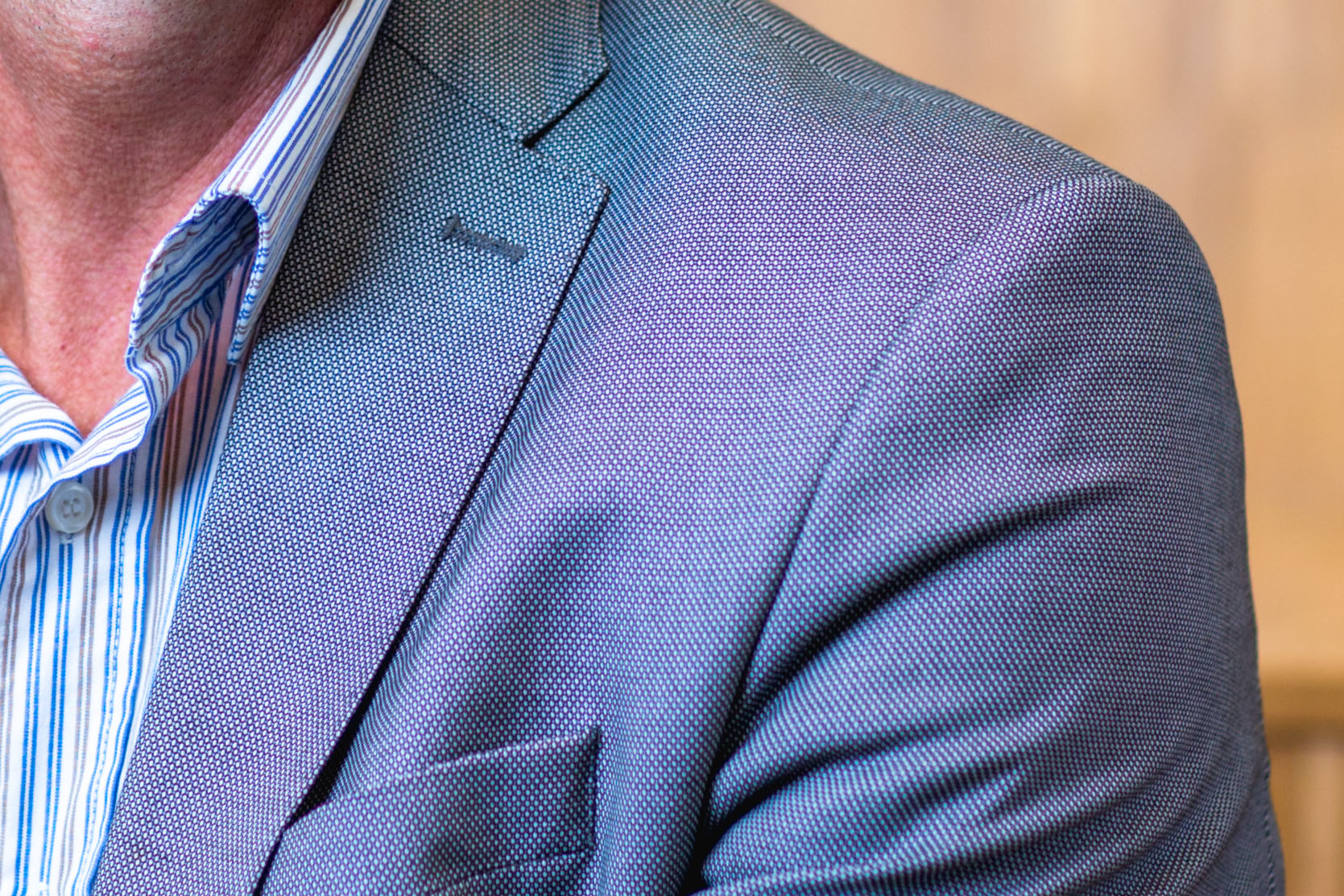 Regenboog effect op kleding moire
